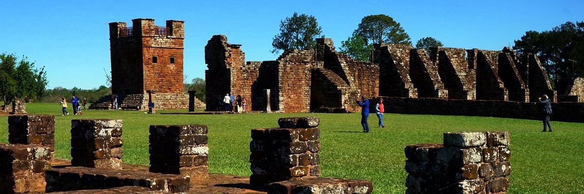 PARAGUAY-ARGENTÍNA-URUGUAY Iguazú-vízesés és jezsuita missziók